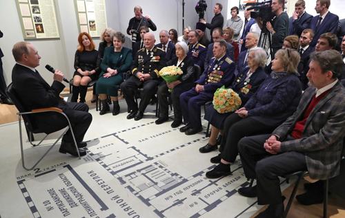 Путин высказался против бессрочного пребывания Путина у власти