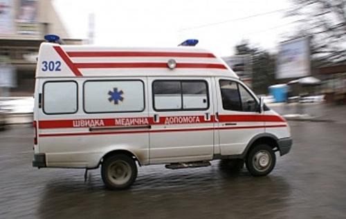 """Пришлось вызывать """"скорую"""": в Харькове продавщица оправила вора в больницу. ВИДЕО"""