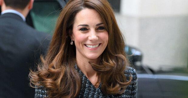Королева Елизавета II, Принц Чарльз, Кейт Миддлтон, Принц Уильям, Принц Гарри, Принцесса Евгения, Меган Маркл, день матери, поздравления