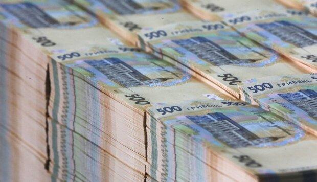 Уряд повернув мільйонні зарплати топ-менеджерам ПриватБанку, Ощадбанку та Укрексімбанку