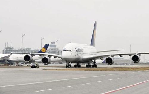 Самолеты привыкают к земле: аэропорты превращаются в стоянки