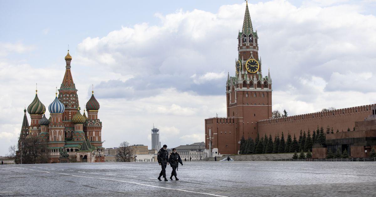 СМИ: В Кремле застрелился сотрудник личной охраны Путина