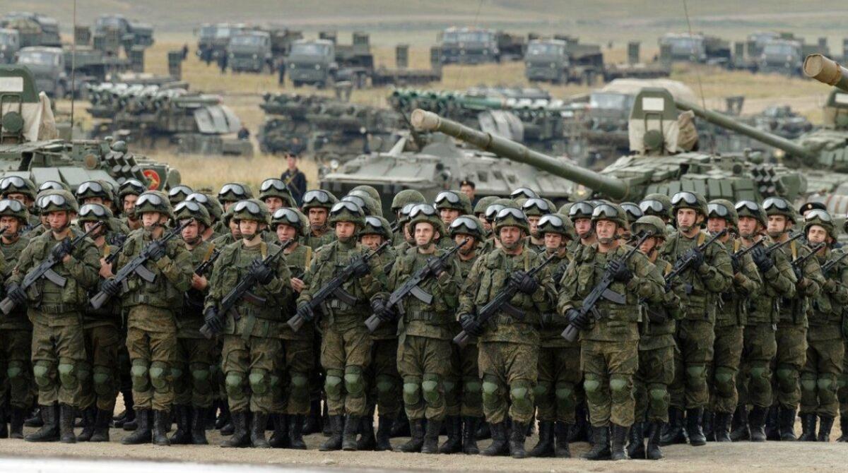 РФ готується до застосування російських окупаційних військ на Донбасі – розвідка
