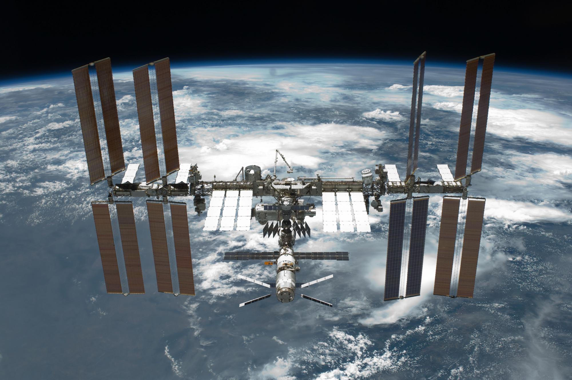 Первые космические туристы подписали контракт: они отправятся на МКС в 2021 году