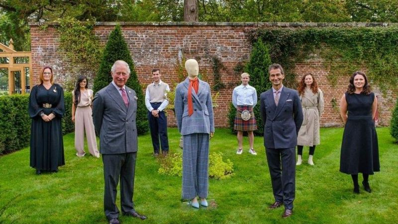 ВВС: Принц Чарльз представив колекцію одягу