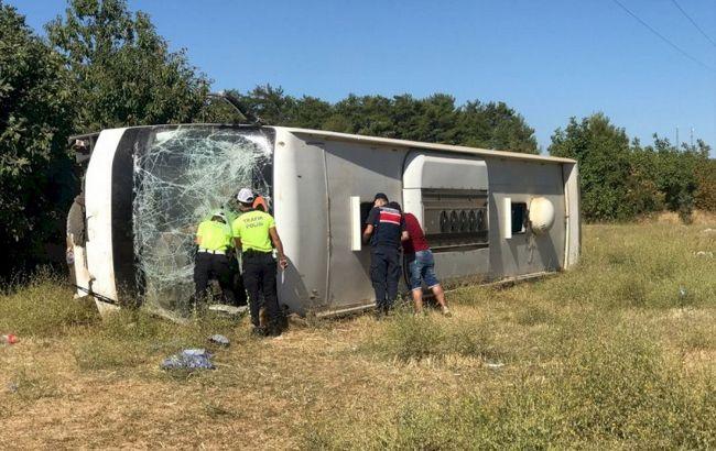 В Турции автобус с украинскими туристами попал в ДТП. Есть погибший и раненые
