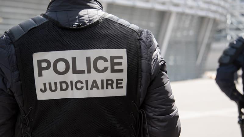 Россиянин открыл стрельбу из автомата в центре Парижа