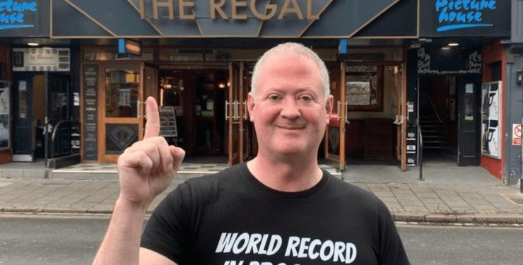 Пиячив цілу добу: британець обійшов 51 паб, щоб потрапити в Книгу рекордів Гіннеса