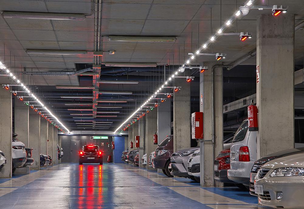 В Киеве открыли первую перехватывающую парковку для транзитного автотранспорта