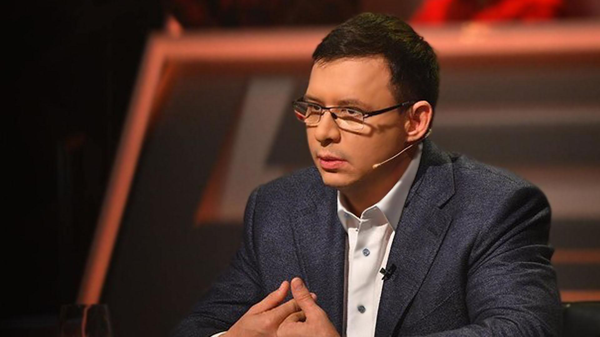 """""""Это мой телеканал! Еще раз такое сделаешь, я тебя у...бу!"""". Мураєв зі своїми охоронцями після ефіру ток-шоу прийшов на """"розбірки"""" до Бутусова"""