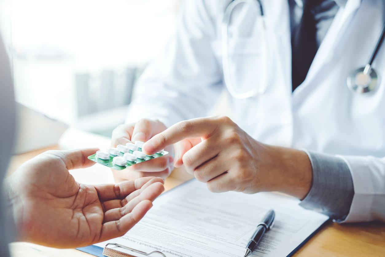 Як безплатно отримати медичні послуги у приватній клініці
