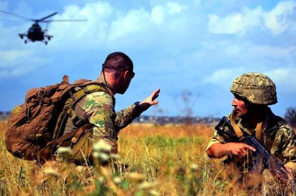 Штаб ООС: Минулої доби зафіксовано 12 ворожих обстрілів, двоє українських захисників отримали поранення
