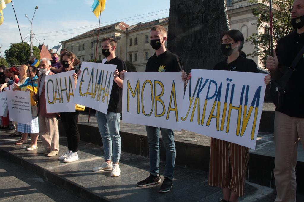 Фурса: Украинский русский язык? Нельзя воевать с Россией и слушать российские новости