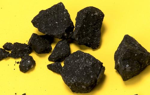 В древнем метеорите снова нашли воду