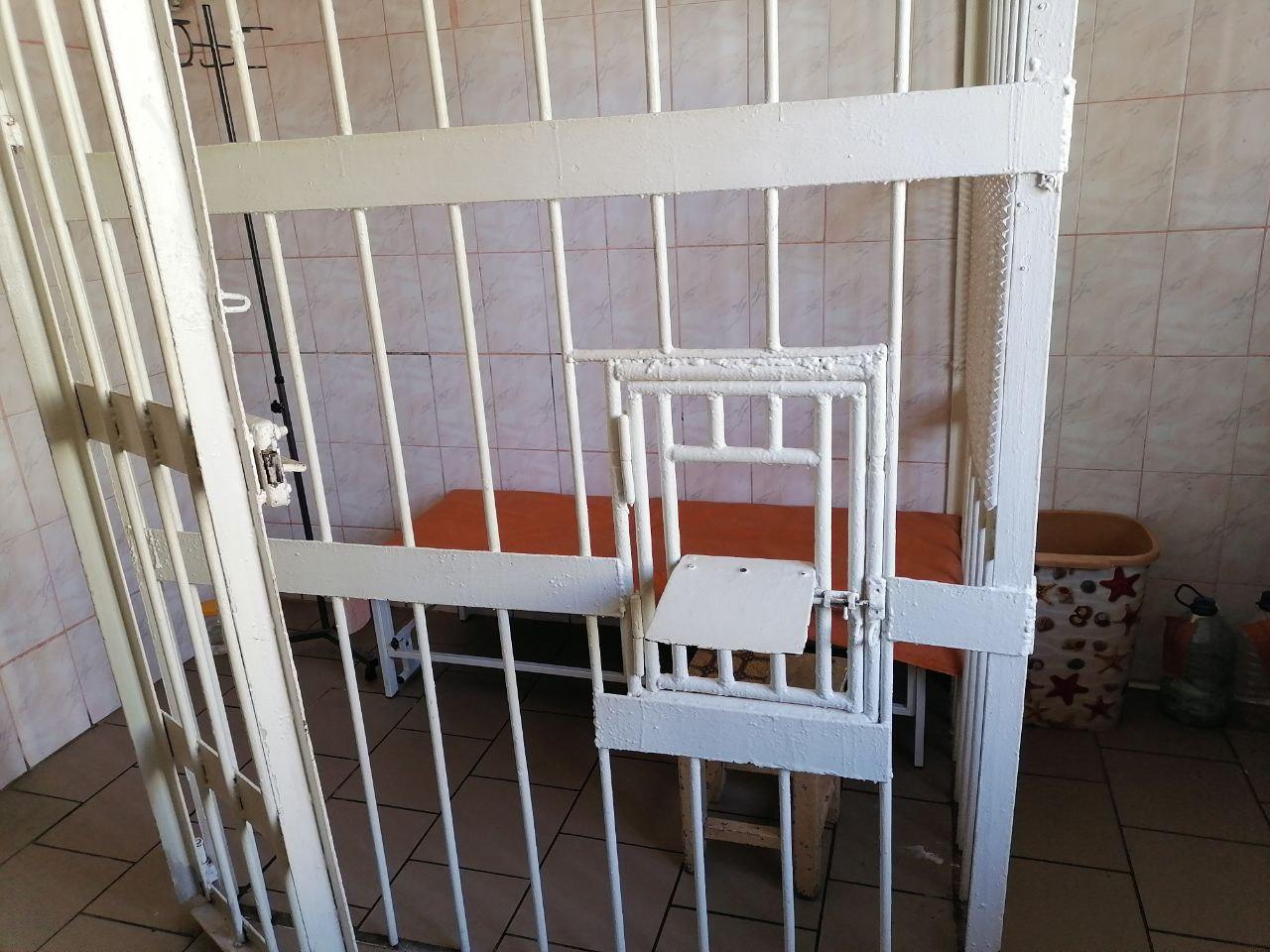 У Запорізькому СІЗО ув'язнений викупив для себе всі місця в камері підвищеного комфорту
