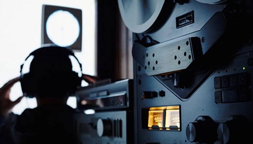 СБУ викрила діючих та колишніх співробітників Служби на незаконному прослуховуванні
