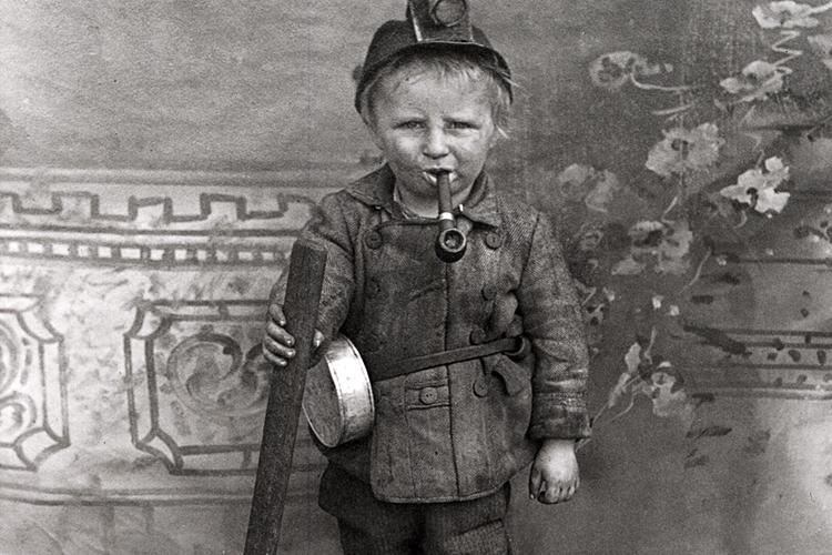 шахтер за работой