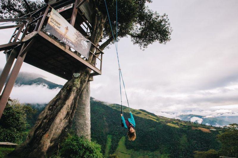 Качели на краю света баньос эквадор