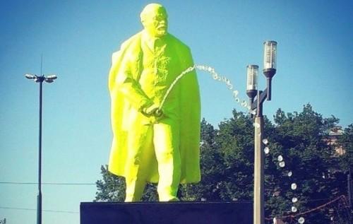 В Грузии снесли памятник Сталину через день после установки - Цензор.НЕТ 1340