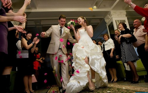 Меня пригласили на свадьбу без парня