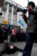 7 000 учителей требуют у Азарова достойную оплату своего труда. ФОТО