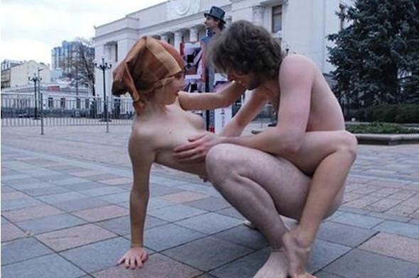 За секс под Верховной радой извращенец получил год условно. Город Севастоп
