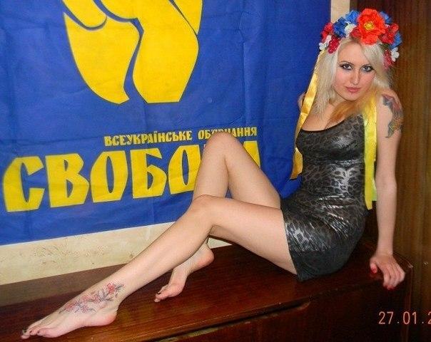 striptiz-ot-yulii-porno-vdeo-devushku-trahayut-na-vulits-za-grosh