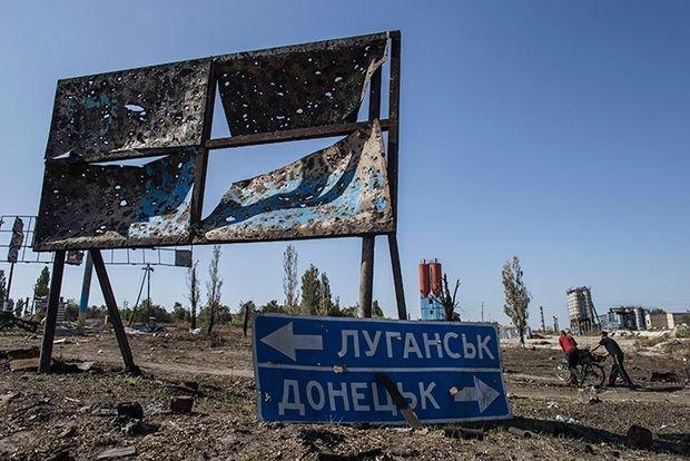 «Шарова» бацила. Московська агресія шилом проштовхує в нашу країну інфекцію, якої Україна вже почала позбуватись