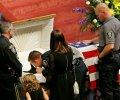 Русским террористам на заметку: так хоронят погибших служебных собак в США. ФОТО
