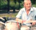 Пенсионеры сыграли Deep Purple в центре Донецка. ВИДЕО