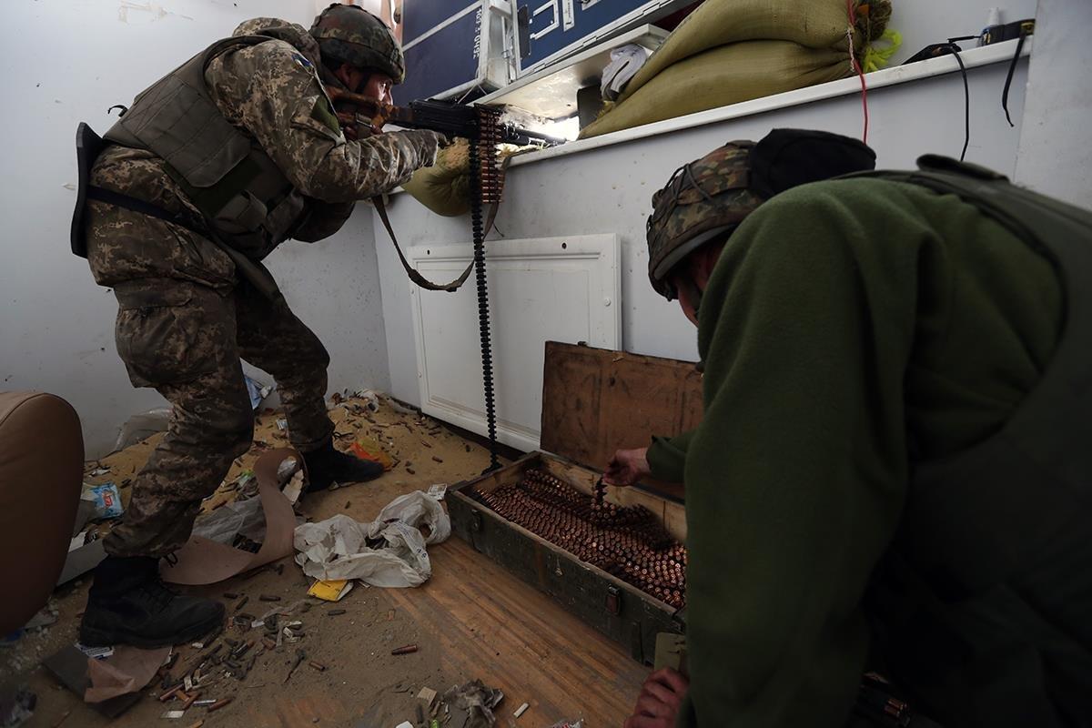 Артиллерия подавила огневые точки боевиков, осуществивших налет на украинских воинов в Талаковке, - штаб АТО - Цензор.НЕТ 6954