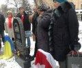 У Києві встановили пам'ятник Герою Небесної сотні - Михайлу Жизневському. ФОТО