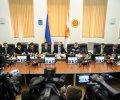 Уряд запровадив режим надзвичайної ситуації на територіях Донецької та Луганської областей