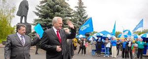 О компромиссе. На политическое поле Луганска введут старейшего сепаратиста Тихонова
