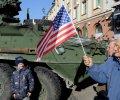 FoxNews: Поляки тепло встречают военный конвой из США. ФОТО