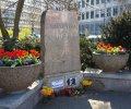 Маленькая, но прекрасная акция памяти Немцова в Берлине. ФОТОФАКТ